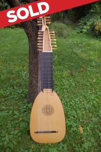 13-chorus baroque lute, 70cm. Tihamer Romanek. SOLD