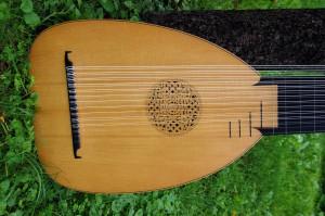 for sale: 14-chorus baroque lute, 70cm, by Tihamér Romanek-1b